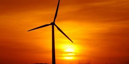 Soldrivna vindkraftverk